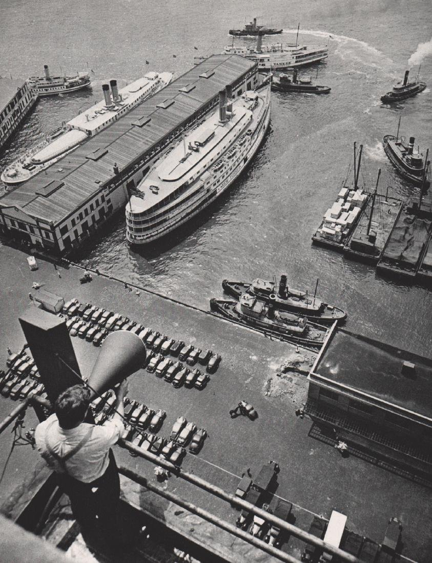 ANDRE KERTESZ - Pier in New York, 1939