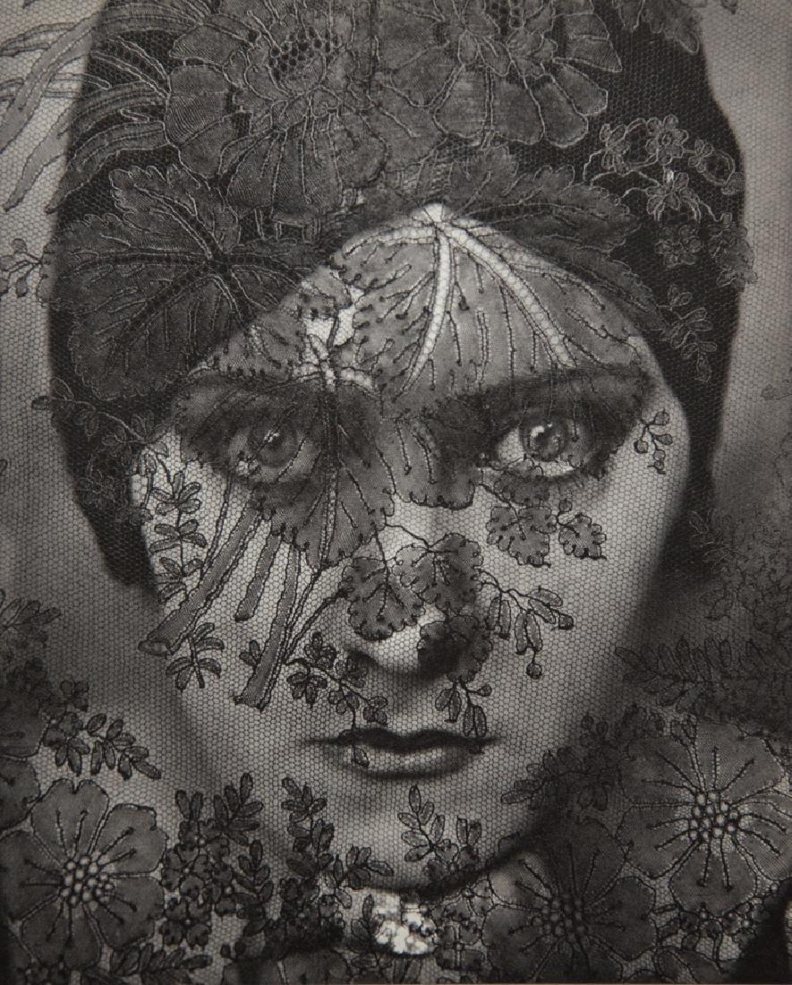 EDWARD STEICHEN - Gloria Swanson, 1924