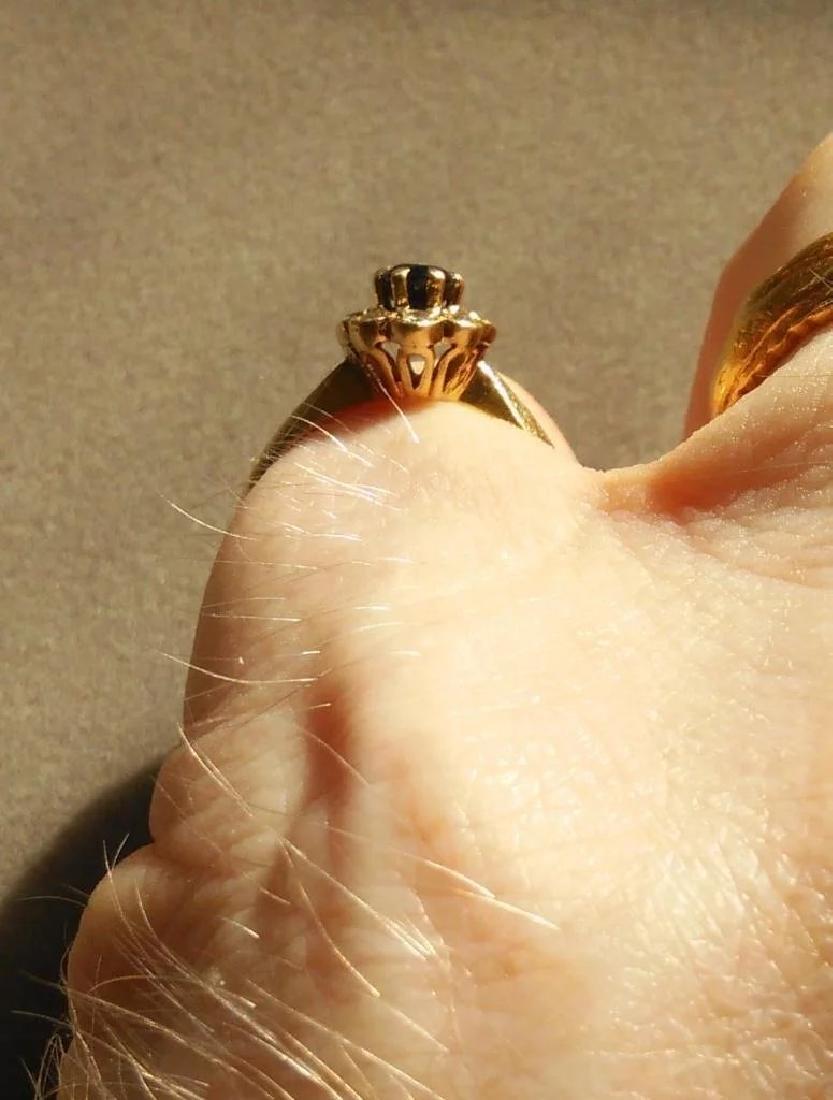 18K Yellow Gold Blue Sapphire Ring - 7