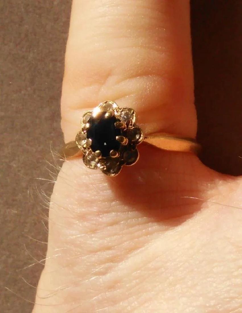 18K Yellow Gold Blue Sapphire Ring - 9