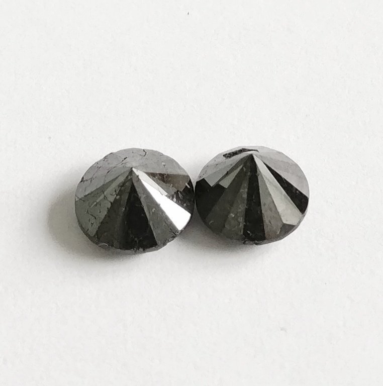 Couple of 2 Round cut diamonds total 2.45 ct Fancy - 2