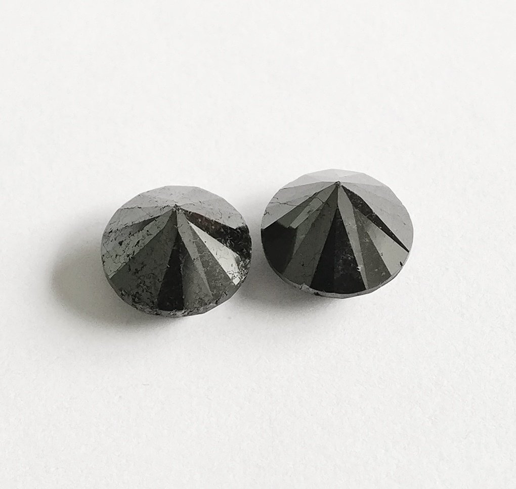 Couple of 2 Round cut diamonds total 3.60 ct Fancy - 2