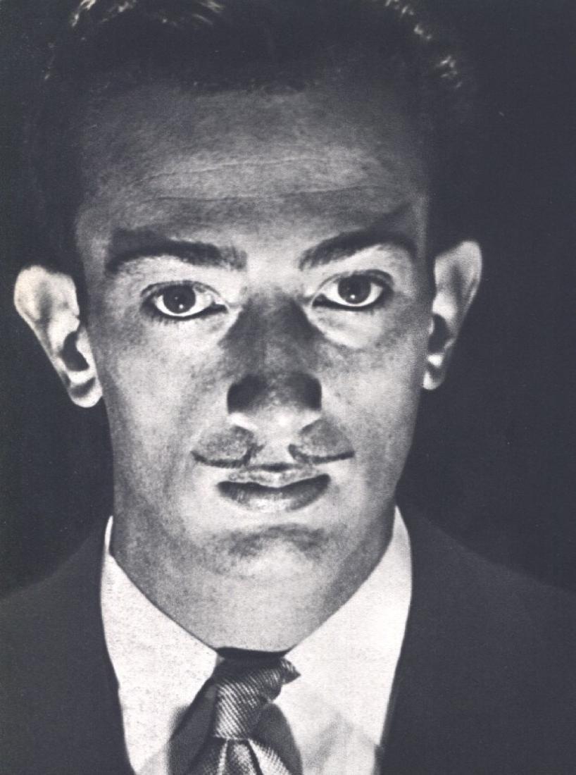 MAN RAY -  Salvador Dali