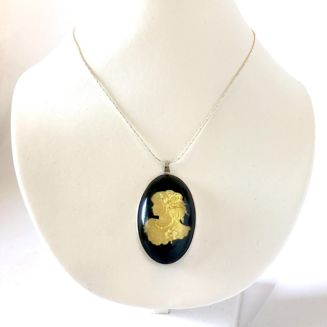 Baltic amber sterling silver cameo & chain,  10.7 gr