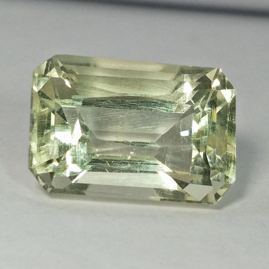 Green Kunzite - 11.51 ct