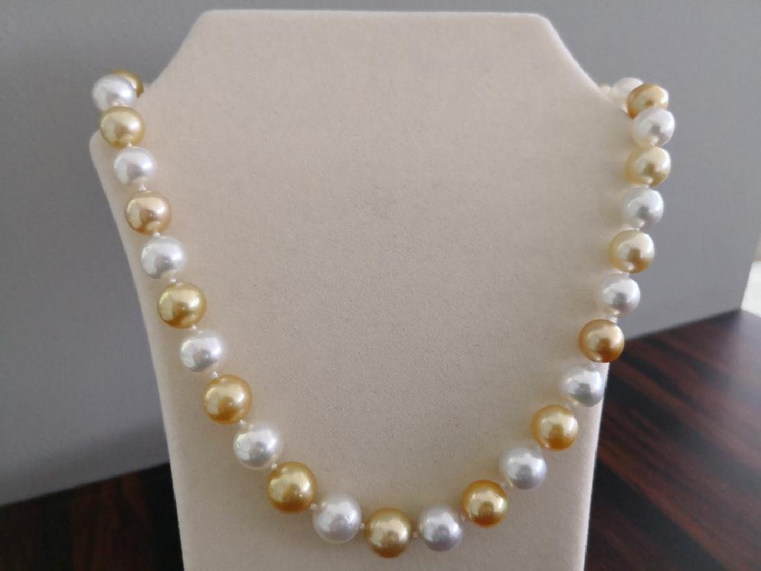 Neckalce Australian South Sea Pearls natural colors