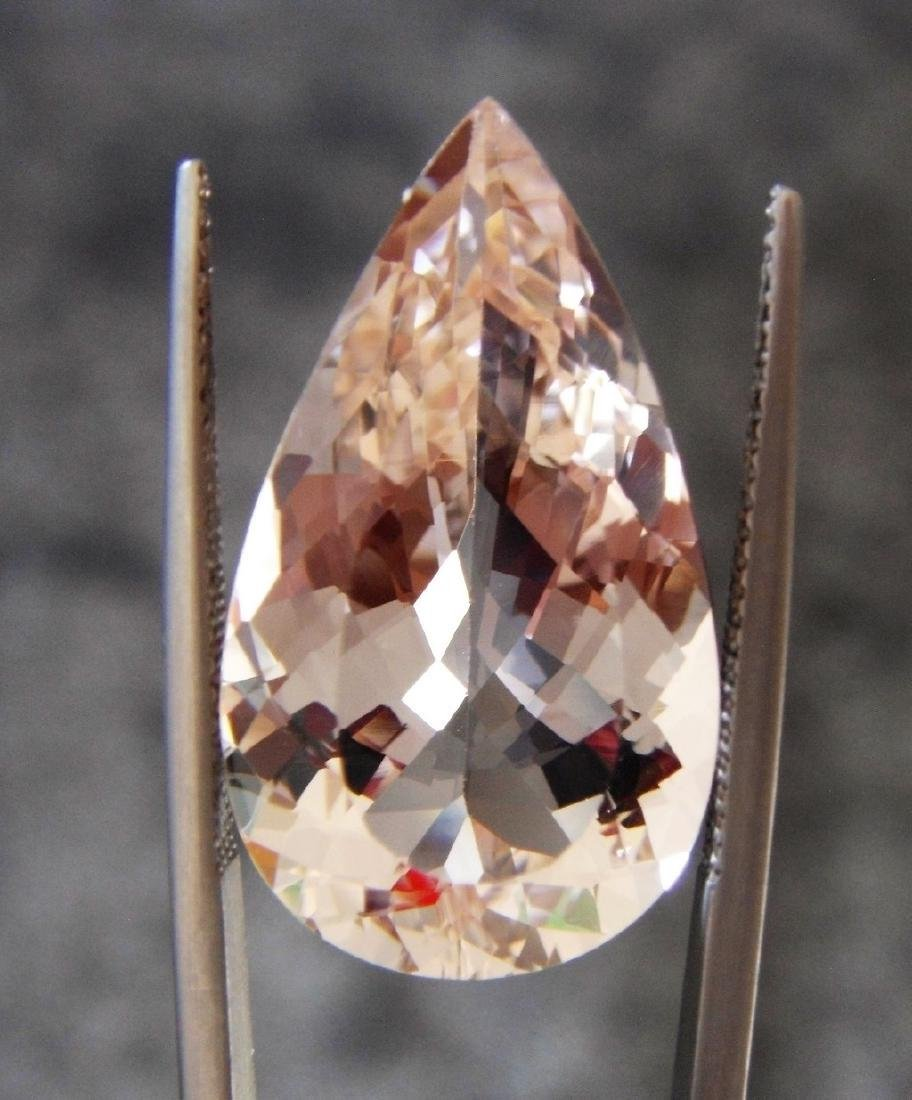 Morganite - 16.78 ct