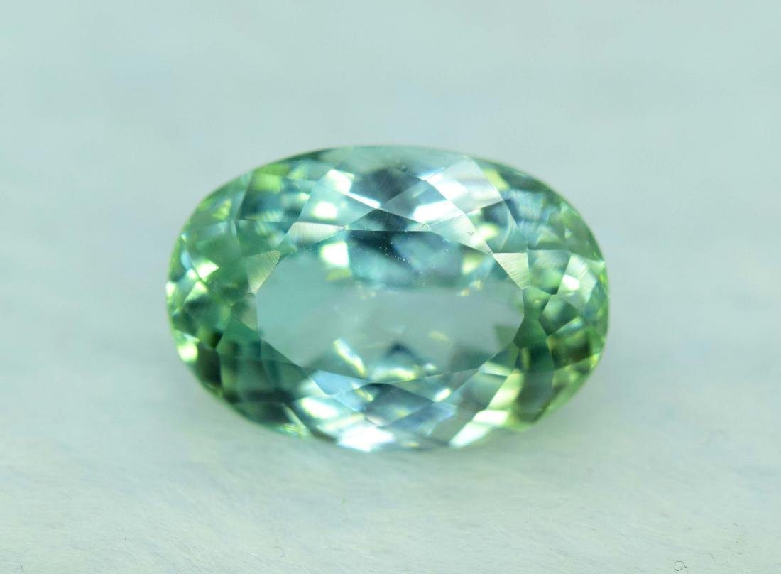 lush green color kunzite loose gemstone