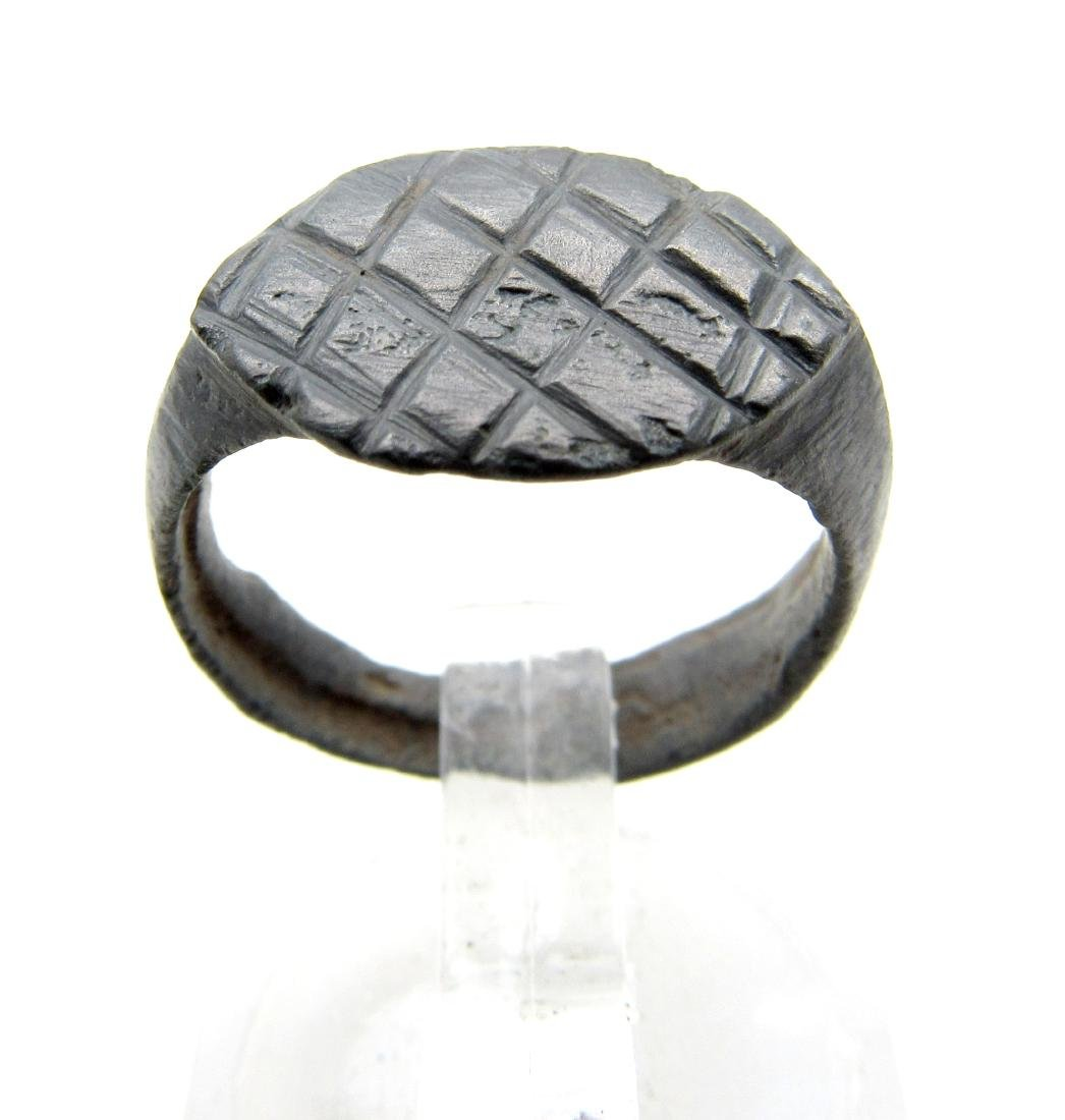 Wearable Roman Ring with Criss-Cross Pattern - 2