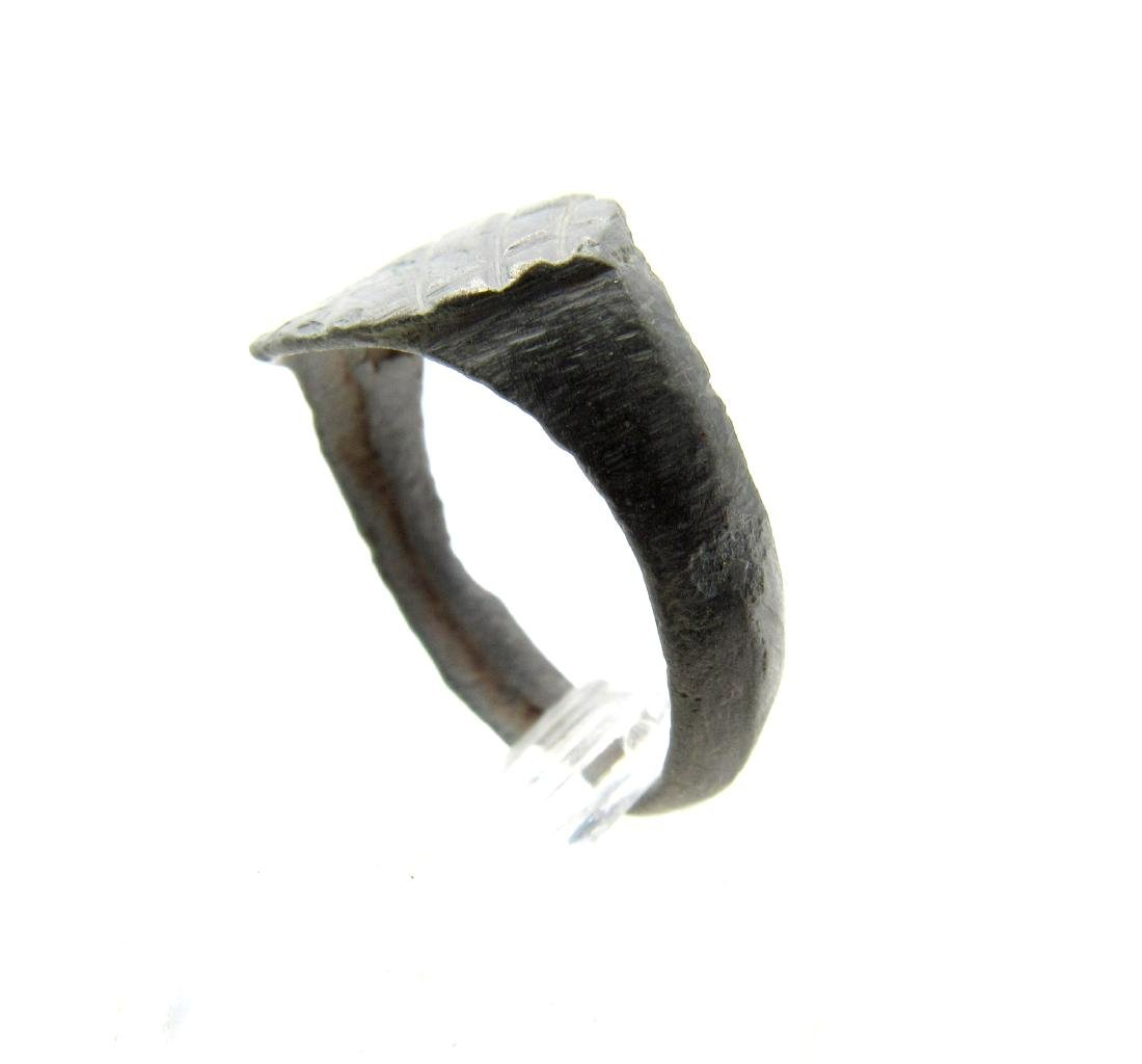 Wearable Roman Ring with Criss-Cross Pattern - 3