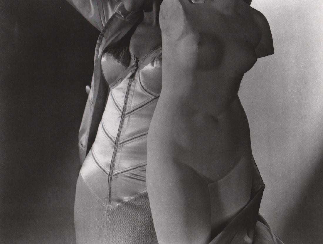 HORST - Corset, New York, 1940