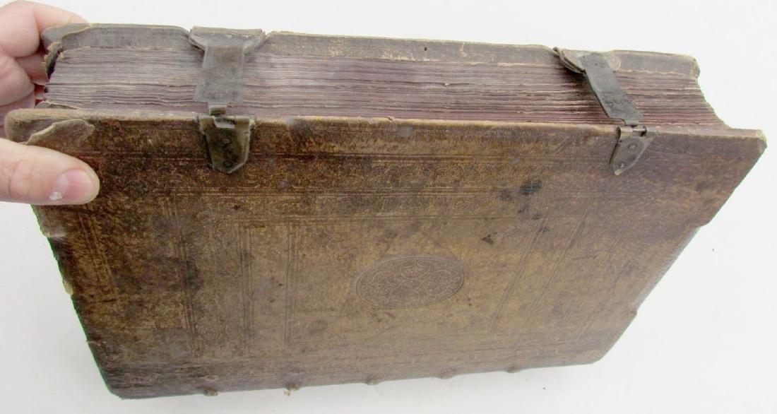 1617 ANTIQUE BLINDSTAMPED VELLUM FOLIO BIBLE DICTIONARY - 3