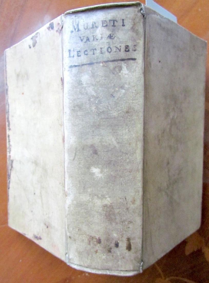 1580s ANTIQUE VELLUM BOUND BOOK IN LATIN