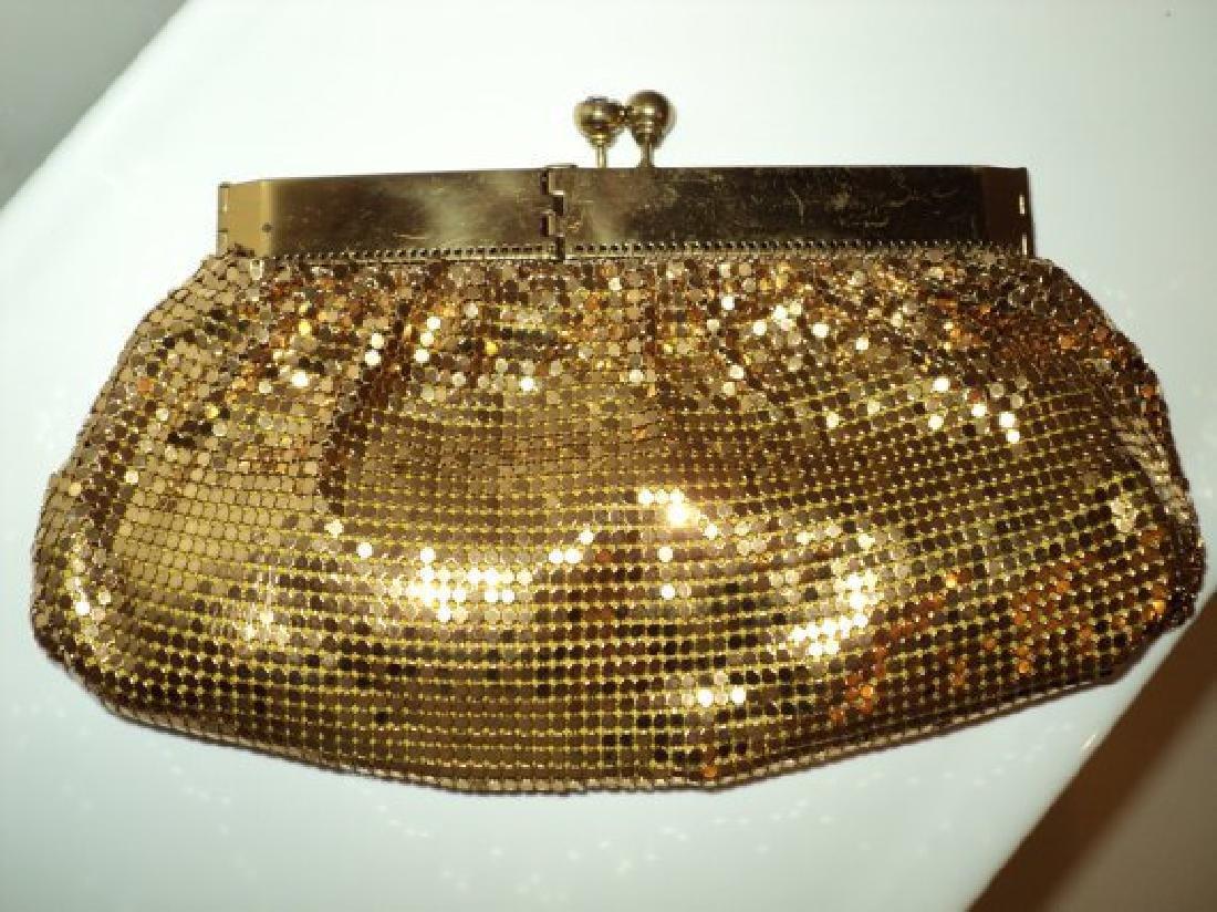 Vtg Gold Mesh evening handbag , purse with hinge and