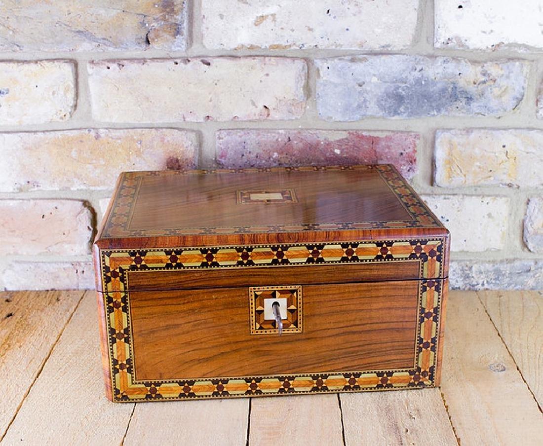Figured Walnut Table Box c.1880 - 5