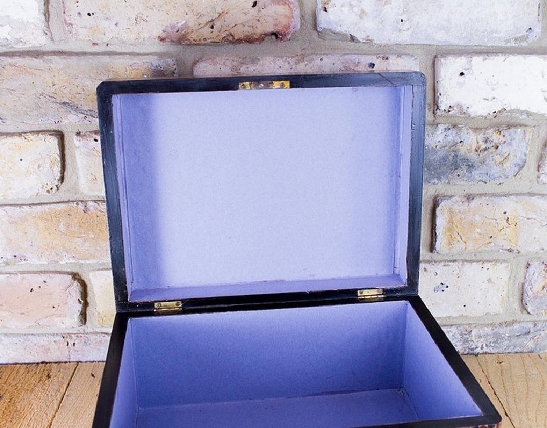 Figured Walnut Table Box c.1880 - 7