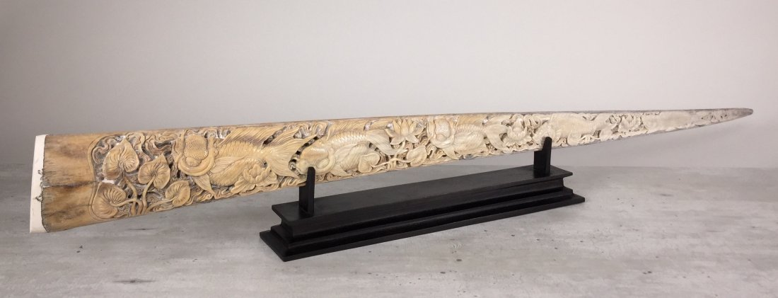 Stunning swordfish tusk with hand engraved Japanese koi - 4