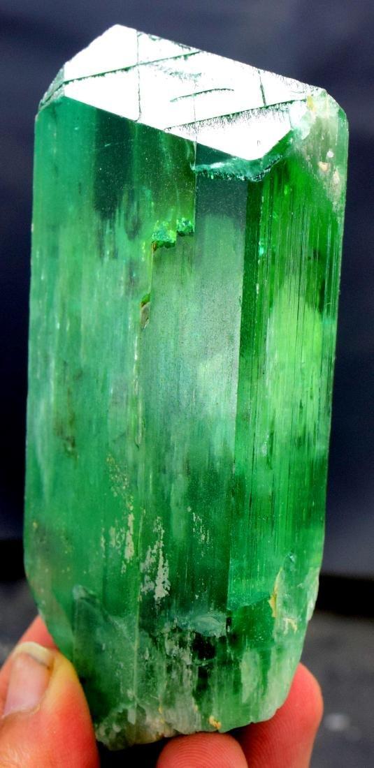 220 gram v shape terminated and undamaged lush green - 3