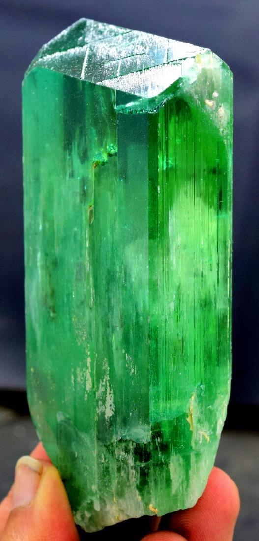 220 gram v shape terminated and undamaged lush green - 4