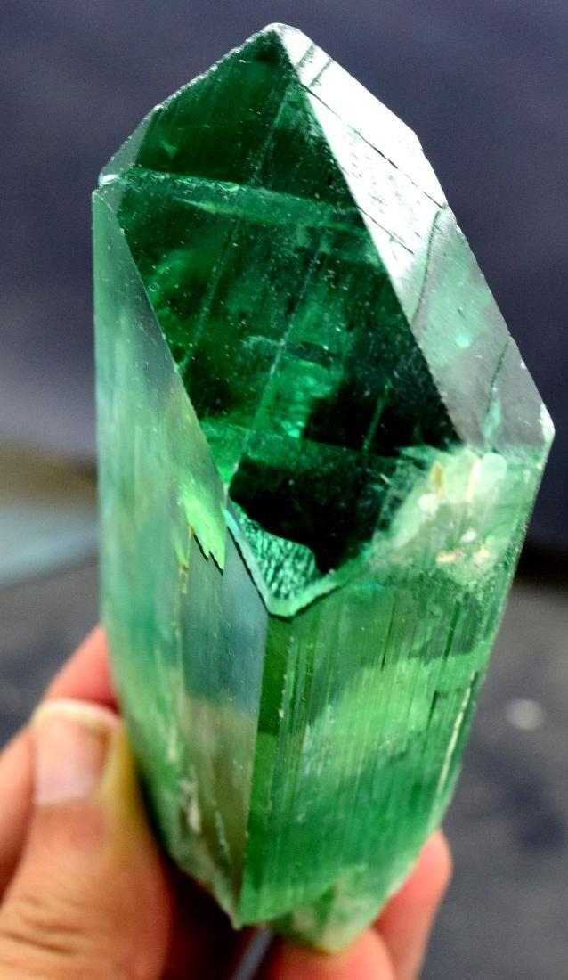220 gram v shape terminated and undamaged lush green - 6