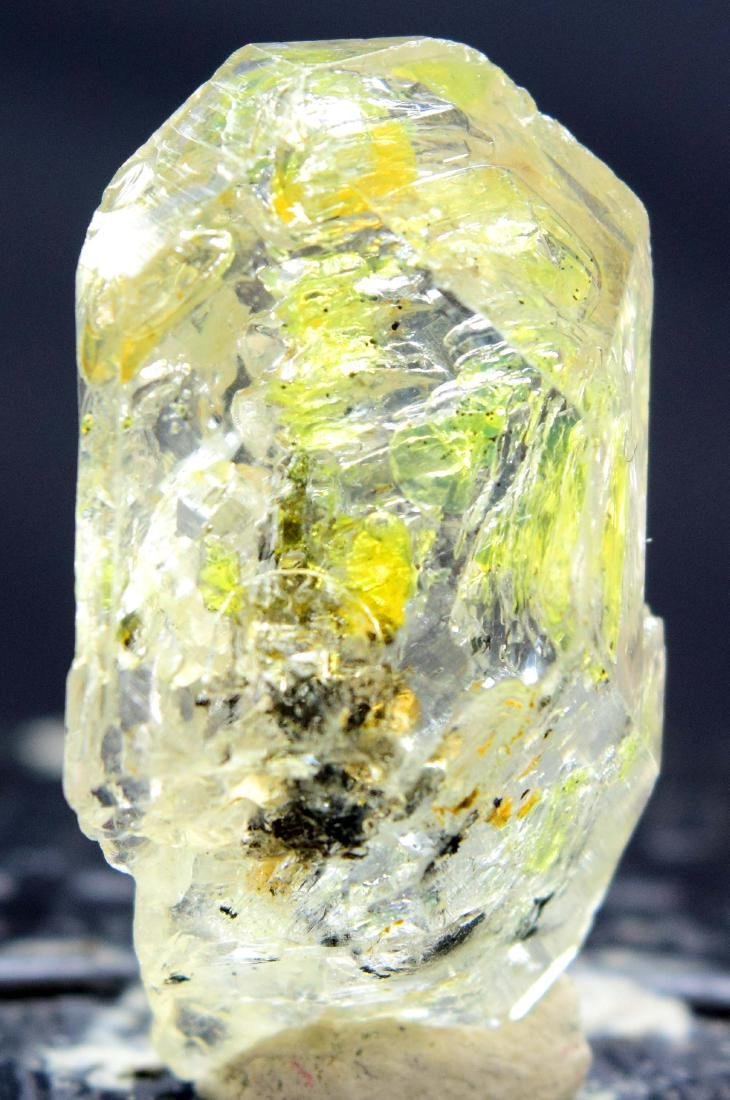 15 Gram Flourescent petroleum diamond quartz crystal