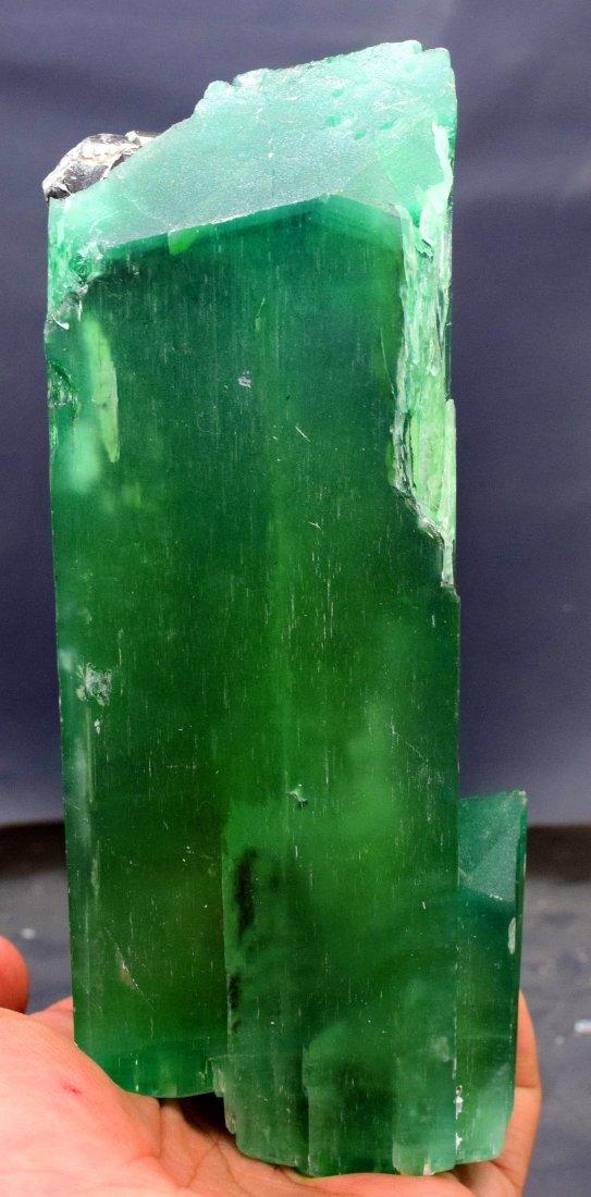 1019 Gram v-shape terminated and undamaged lush green - 2