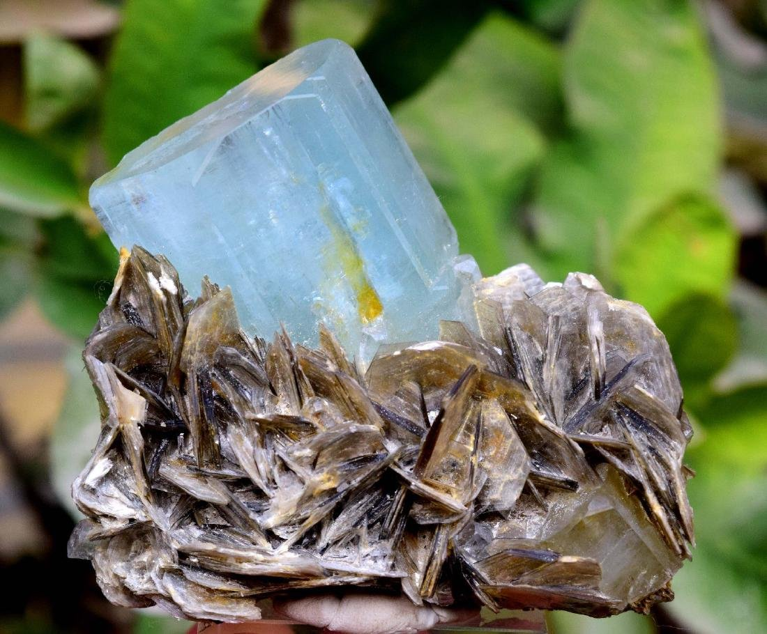 Damage Free and Aesthetic Natural Aquamarine Crystal - 2