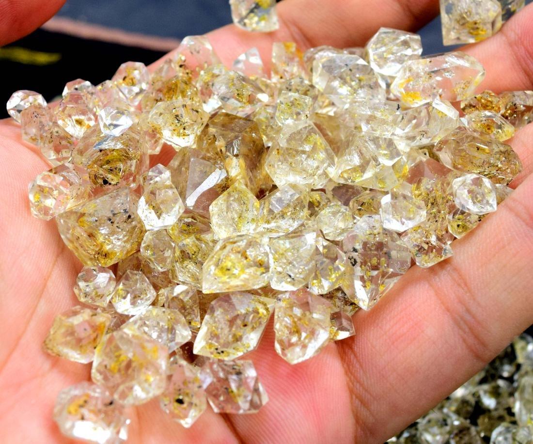 224 Gram Flourescent petroleum diamond quartz crystals - 6
