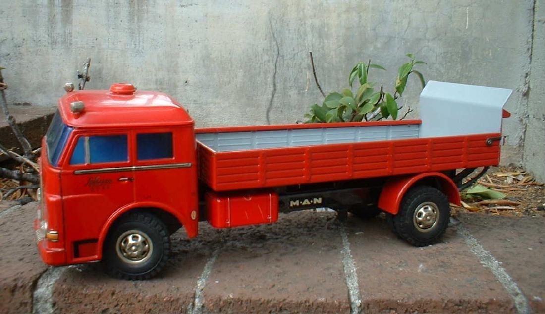 Schuco Lastomat 6804 truck