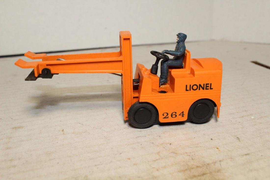 Lionel Postwar 264 Forklift (Works Good)