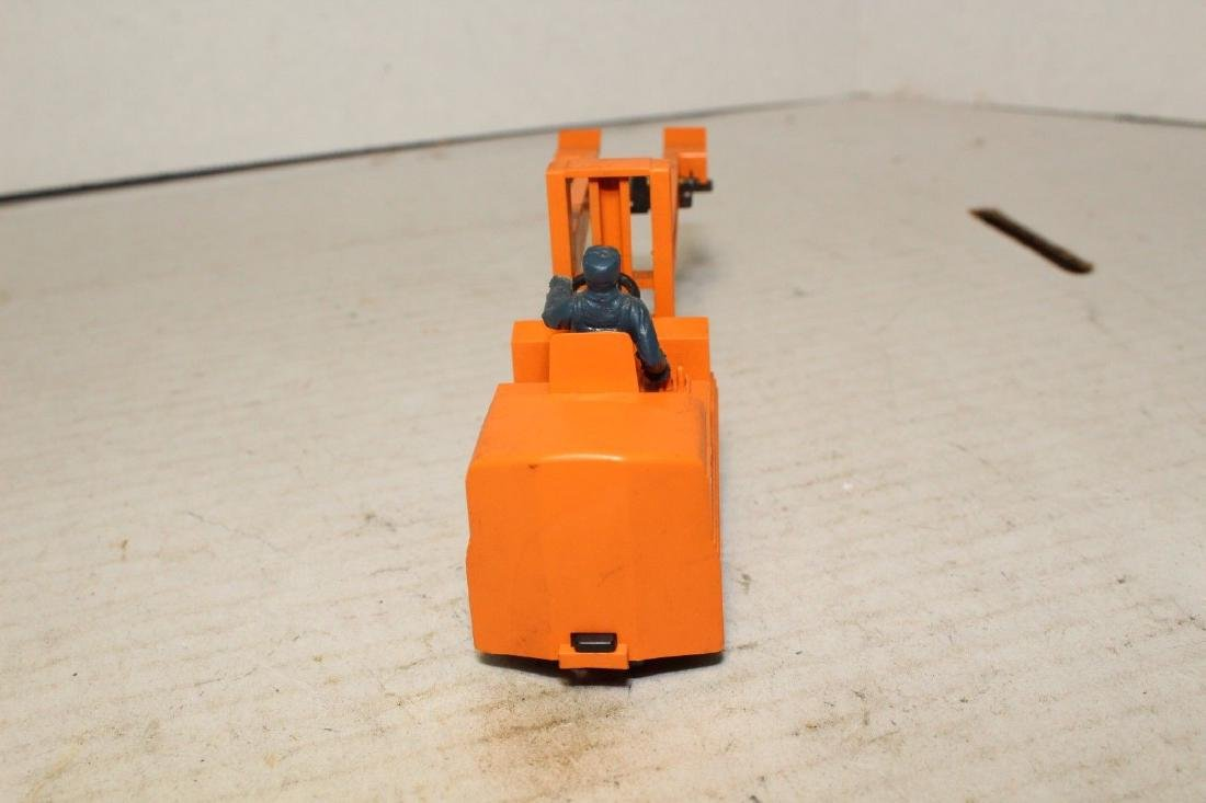 Lionel Postwar 264 Forklift (Works Good) - 4