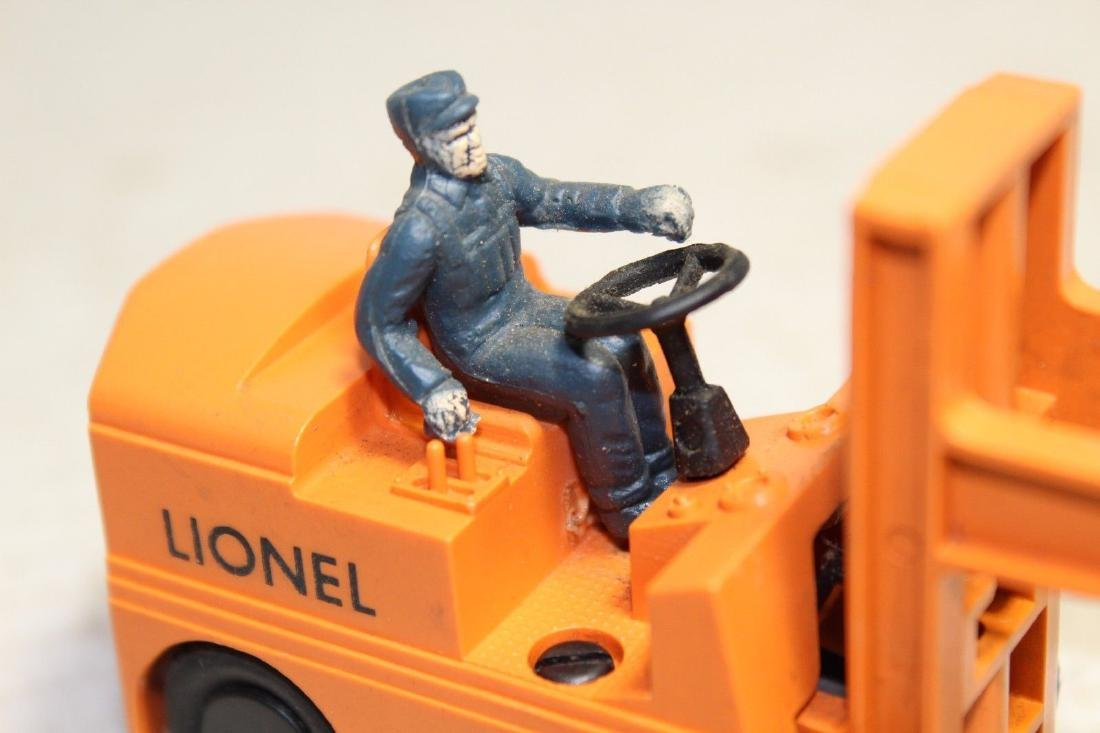 Lionel Postwar 264 Forklift (Works Good) - 7