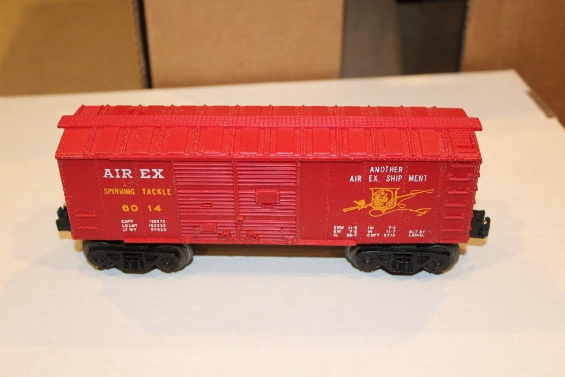 Lionel Postwar 6014-100 Red Aired Boxcar Serif