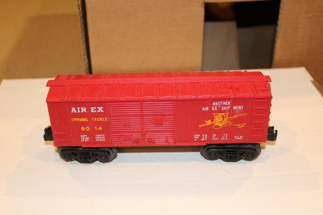 Lionel Postwar 6014-100 Red Aired Boxcar Serif - 2