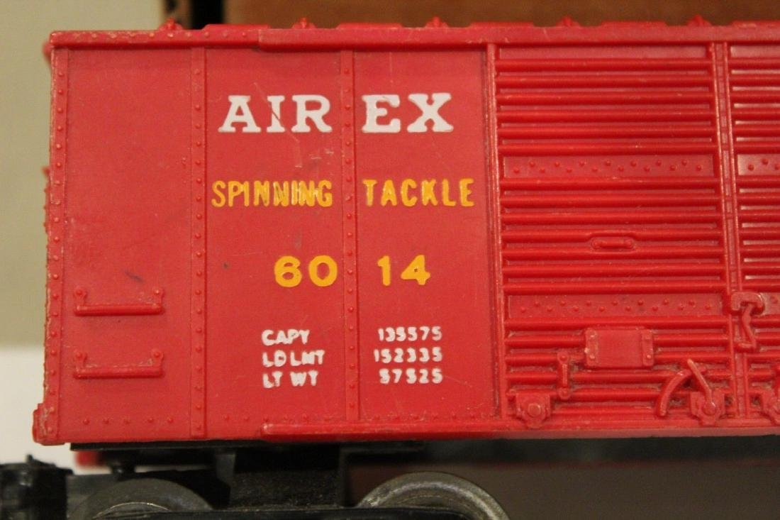 Lionel Postwar 6014-100 Red Aired Boxcar Serif - 7