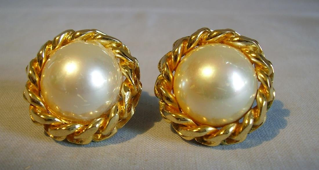 Dior Clip on earrings