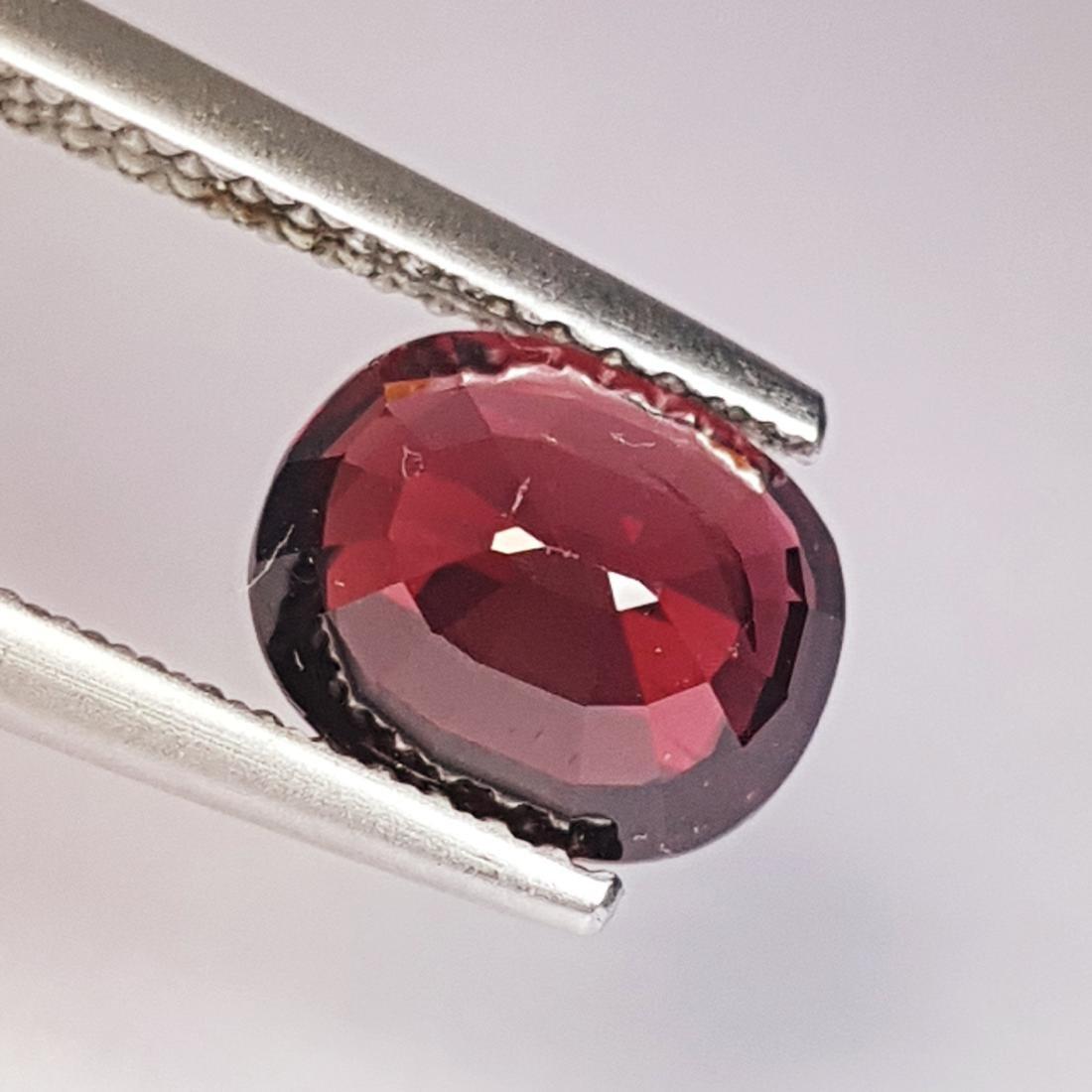 Rhodolite Garnet - 2.43 ct - 3