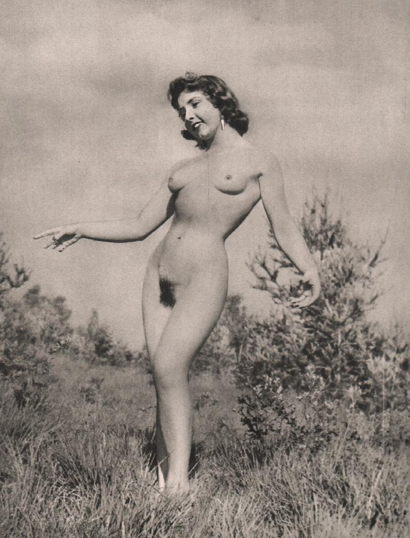 R. VALLEE - Nude
