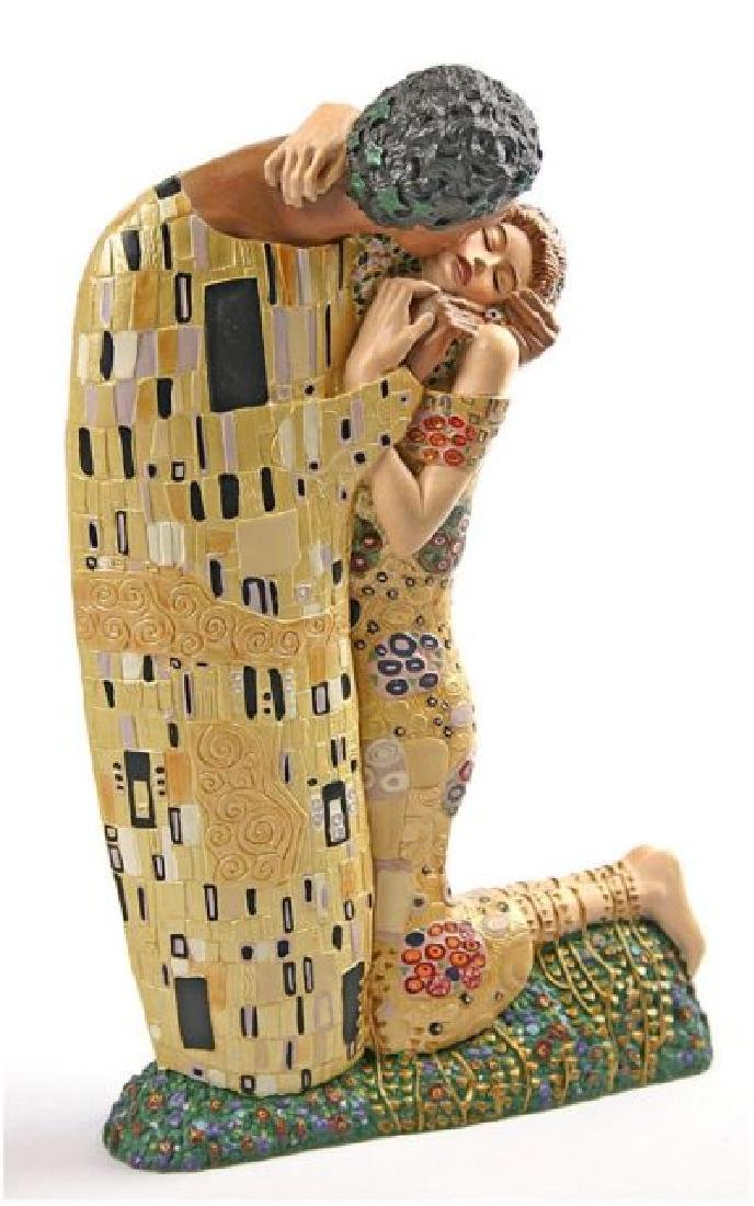 After Gustav Klimt: The Kiss statue