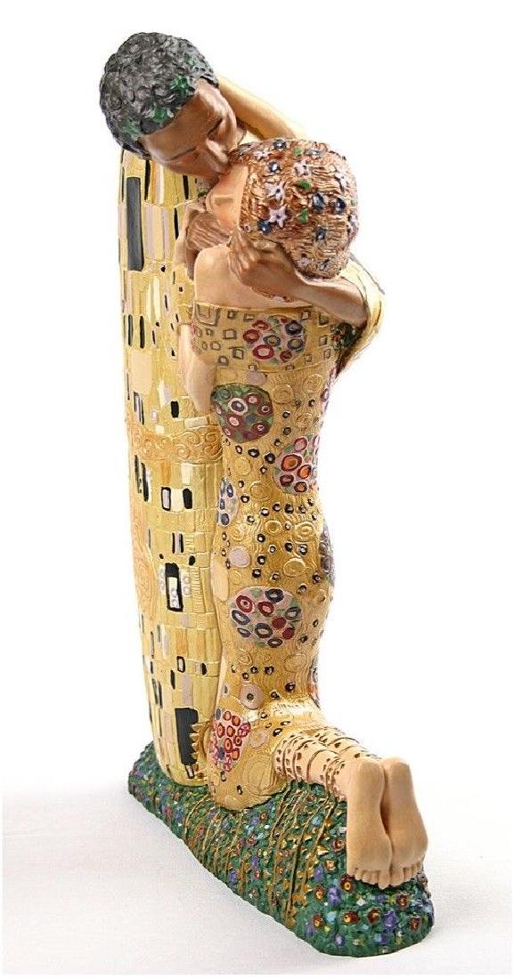After Gustav Klimt: The Kiss statue - 3
