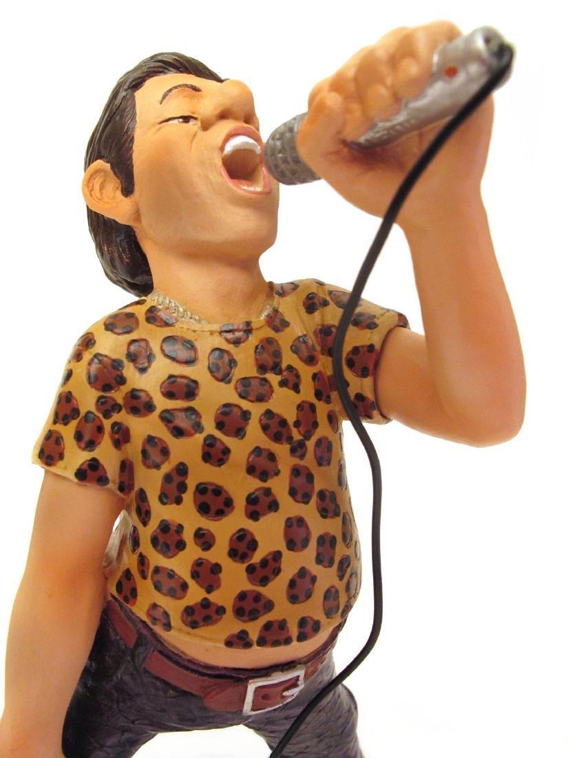 Big Bang Band The Singer statue - 2