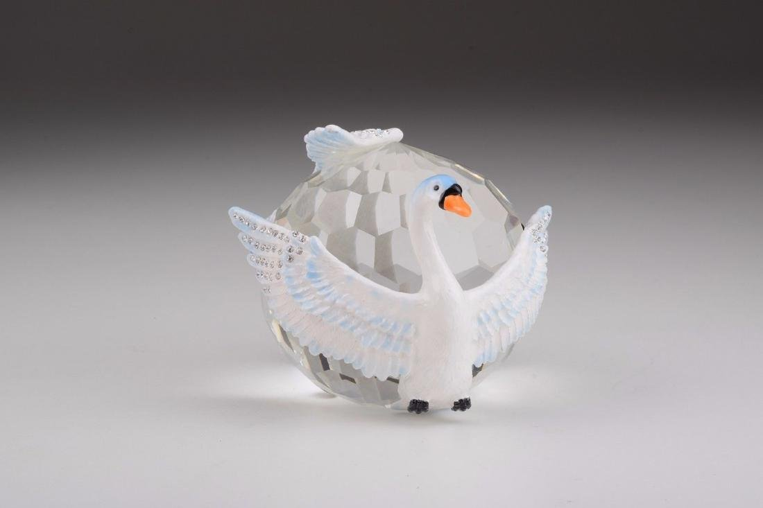 After Fabergé: Big Crystal with Swans - 2