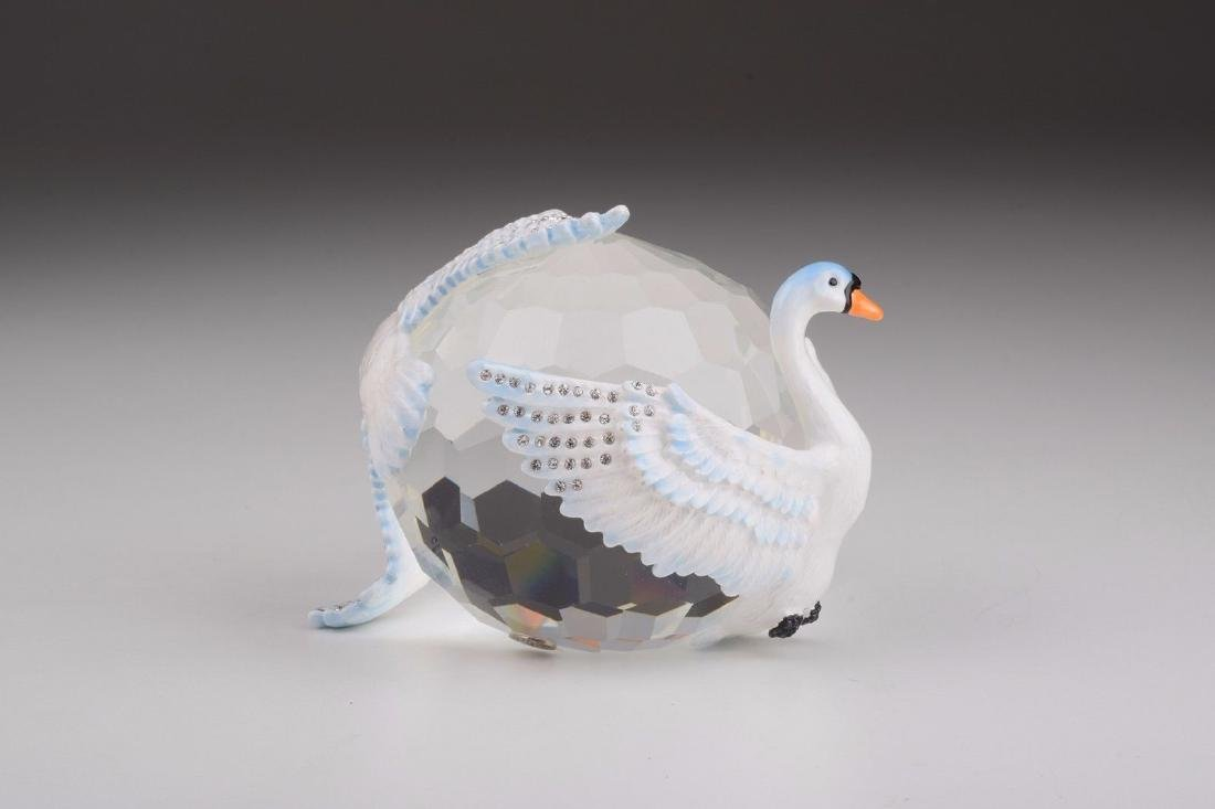 After Fabergé: Big Crystal with Swans - 3