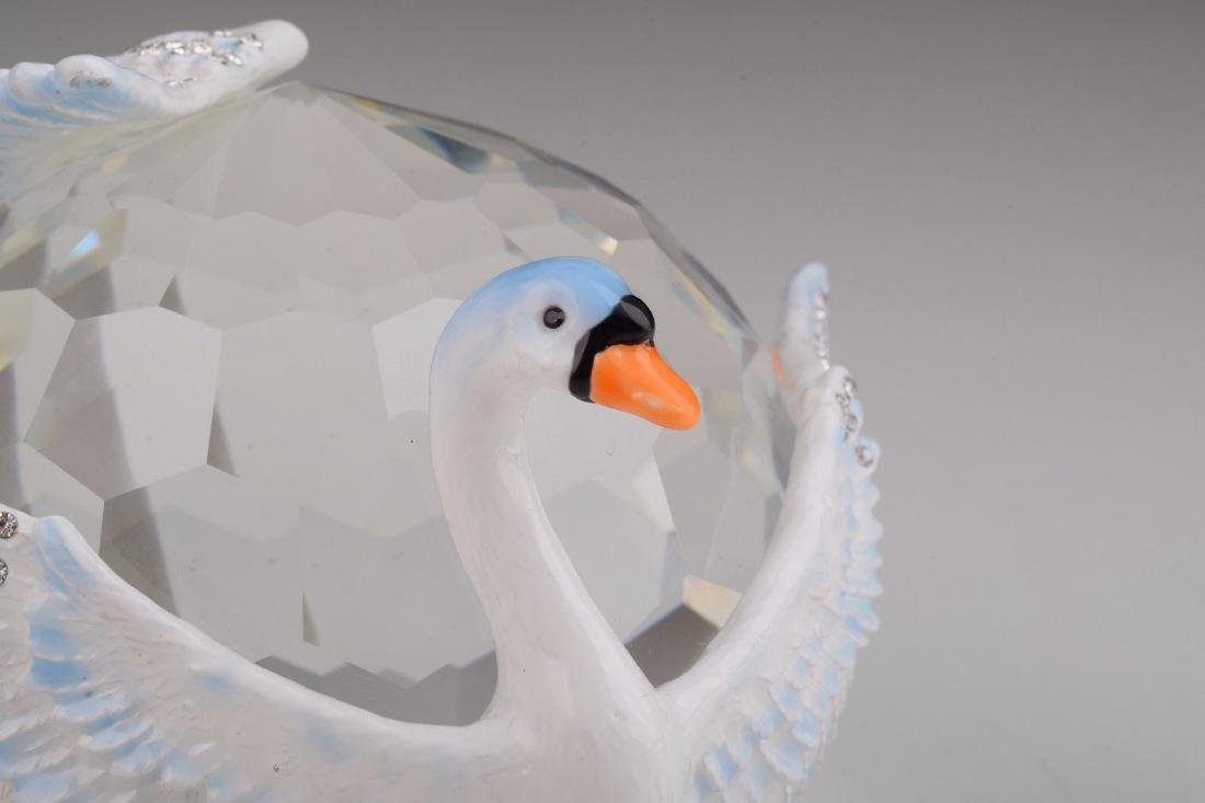 After Fabergé: Big Crystal with Swans - 5