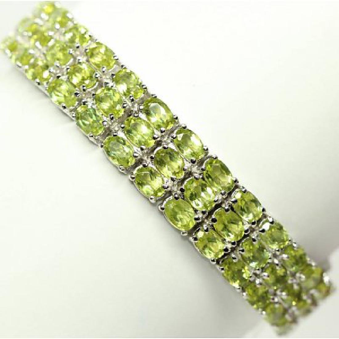 Sterling silver bracelet with natural Peridot