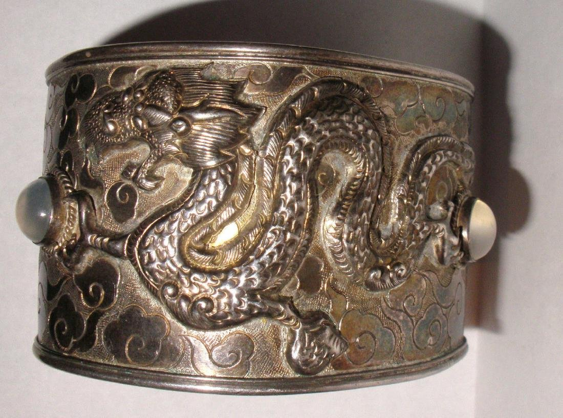ANTIQUE CHINESE STERLING SILVER EXPORT DRAGON CUFF - 4