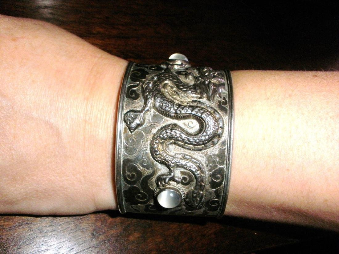 ANTIQUE CHINESE STERLING SILVER EXPORT DRAGON CUFF - 5