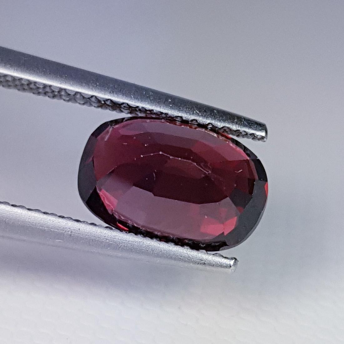 Rhodolite- 3.67 ct - 4