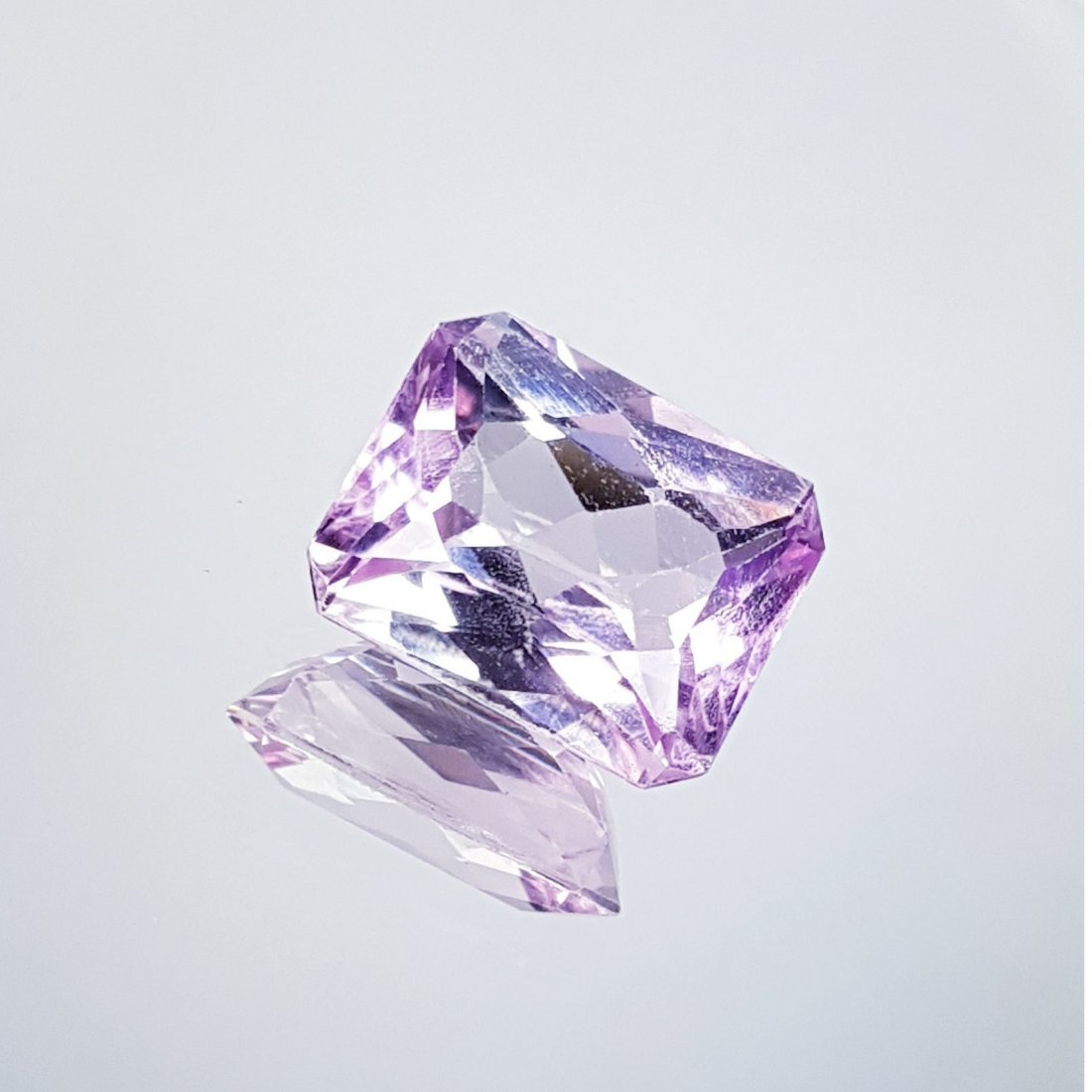 Pink Kunzite - 5.75 ct - 2