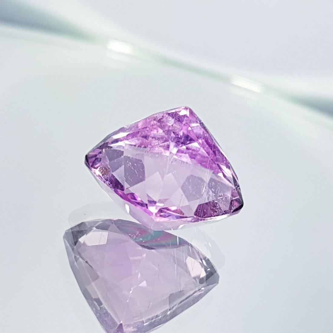 Pink Kunzite - 7.69 ct - 4